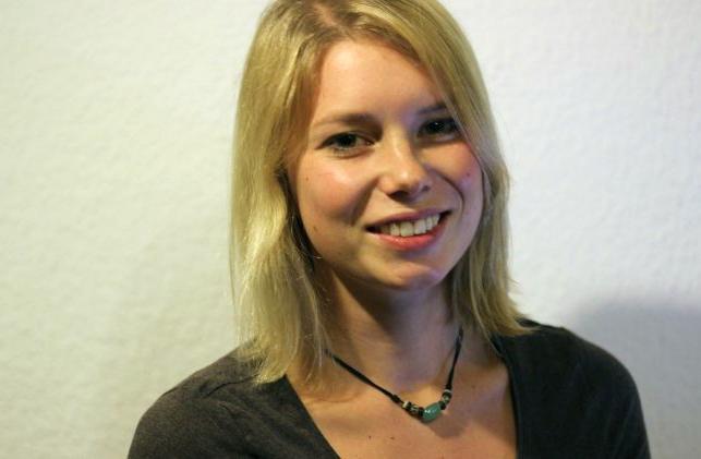 Hostess Pia aus Stuttgart, Konfektion 36, Studium Agrarwissenschaften