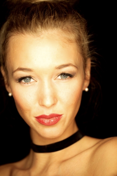 Model Cindy aus Hannover Haarfarbe: blond (dunkel)
