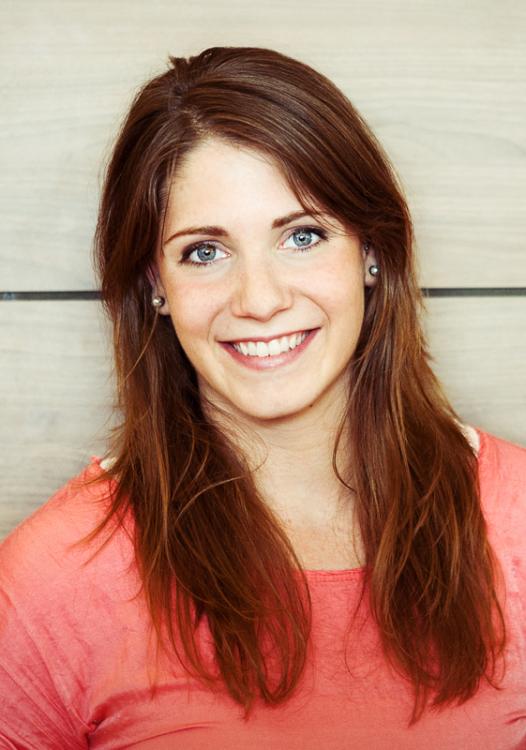 Model Laura aus Köln Haarfarbe: blond (dunkel)