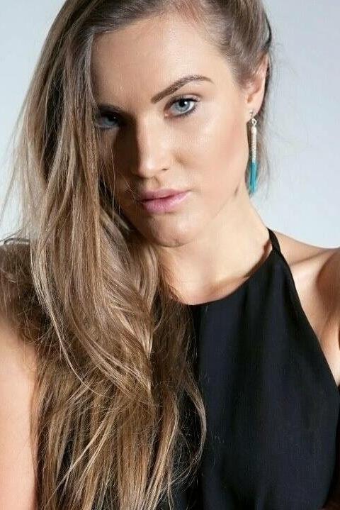 Model Franziska aus Salzburg Haarfarbe: blond (dunkel)