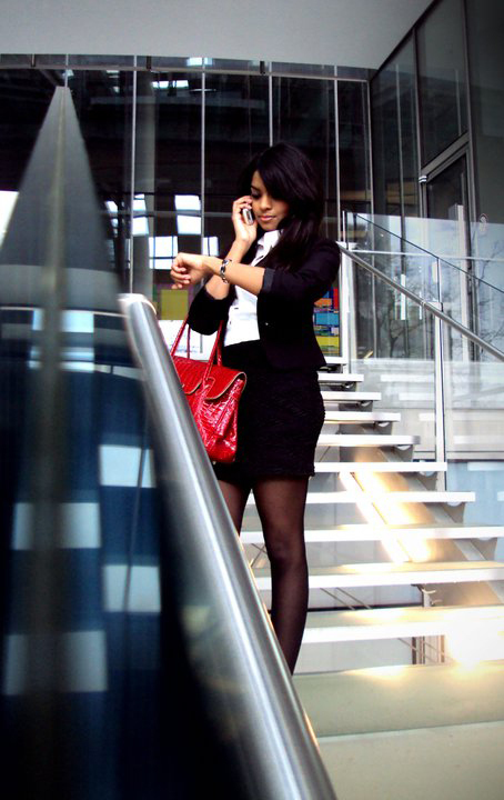 Hostess Sonali aus Bonn, Konfektion 36, Studium International Business