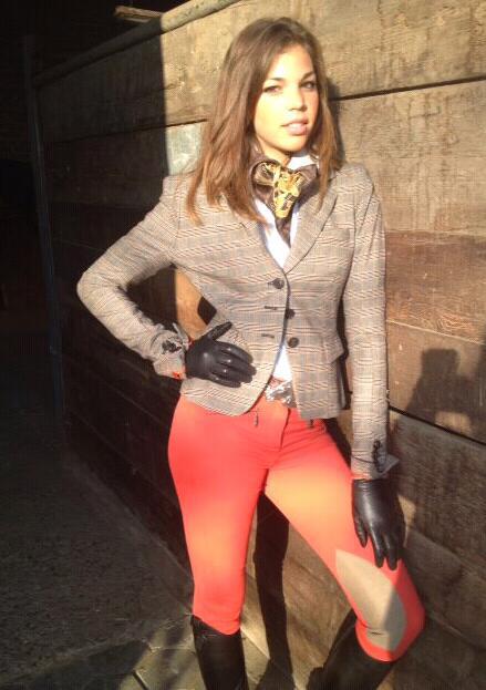 Hostess Kira aus Willich, Konfektion 38, Studium International Marketing