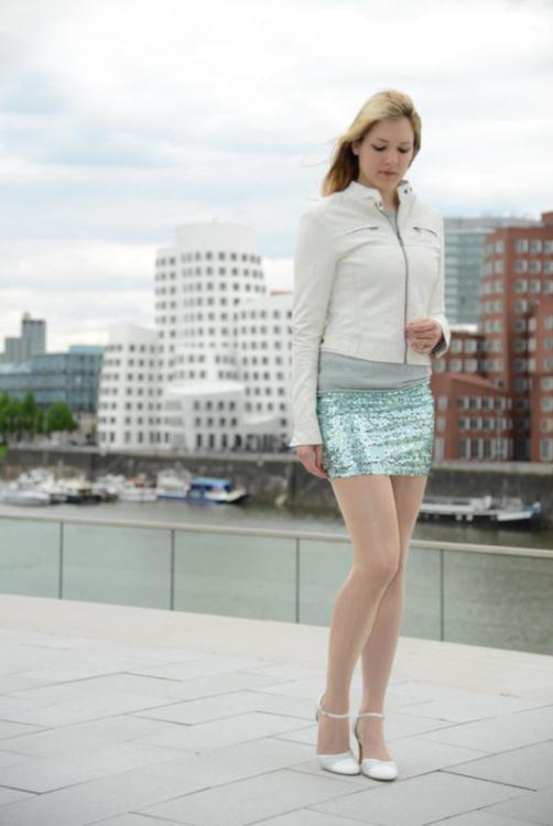 Hostess Johanna aus Düsseldorf, Konfektion 36, Studium Tourismus- & Eventmanagement
