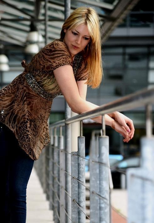 Hostess Johanna aus Düsseldorf, Nationalität Deutsch , Haarfarbe blond (mittel)